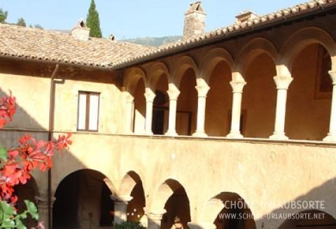 Hotel/Zimmer - Umbrien - Abtei San Pietro in Valle