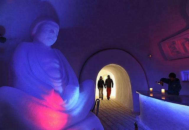 Bed & Breakfast - Zillertal - White Lounge - Iglu Dorf