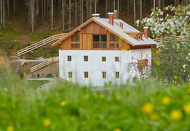 Bed & Breakfast - Dolomiten - SILENTIUM - Dolomites Chalet